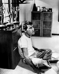 THE TWILIGHT ZONE ROD SERLING SITTING ON OFFICE FLOOR WITH CIGAR AWARDS PHOTO $9.75