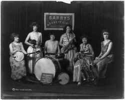 Barry#x27;s Novelty GirlsYoungstownOhioOHMusical InstrumentsWomenFebruary 1924 $11.00