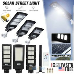 Outdoor Commercial 250W LED Solar Street Light IP67 Dusk to Dawn Flood Road Lamp