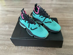 Sia Collective Culture Vulture South Beach Size 9 $270.00