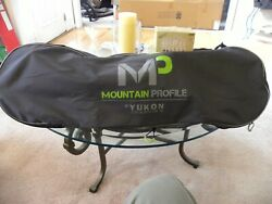 Yukon Charlie#x27;s Mountain Profile 825 Snowshoes Green and black. Shoes Only amp; bag $59.00