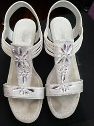 Jaclyn Smith 7.5 womens dress shoes silver gray jeweled wedge $4.00