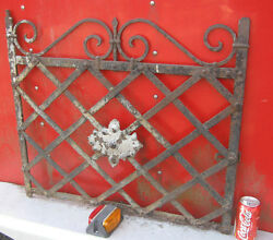 ANTIQUE ARCHITECTURAL GARDEN TRELLIS WROUGHT IRON GATE FENCE HOOK RACK HOLDER