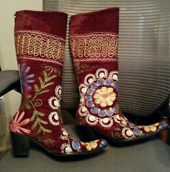 HELP RESCUE DOGCANCER❤️$400 Ladies Embroidered boots SZ39(US 9)worn ONCE❤️