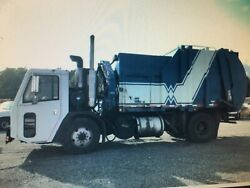 2009 Crane Carrier side loading recyclinggarbage truck 28000 miles turn key