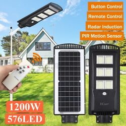 9900000LM Commercial LED Solar Street Light Motion Sensor Dusk to DawnRemote