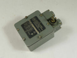 Allen Bradley Oil Tight Limit Switch 802T AD USED $109.99