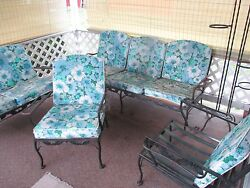 VINTAGE OUTDOOR WROUGHT IRON PATIO FURNITURE SET 1950