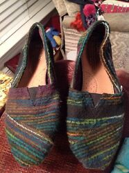 TOMS MULTI COLOR WOOL STRIPPED WOMEN'S FLATS SIZE 6.5 Good Used Condition Rare