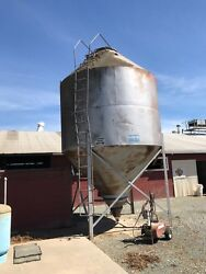 25 Ton Capacity Bulk Grain Bin or Yard Art or Restaurant Decor For Sale!