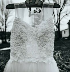 Full Length White Tulle And Lace Wedding Dress Size 2 4 $200.00