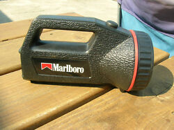 MARLBORO COLEMAN FLASHLIGHT GREAT COLLECTIBLE WORKS BATTERYS Included $5.00