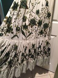 100% Authentic Gucci WhiteGreen Floral Lace Runway Long Dress Size:40 $9995+Tax