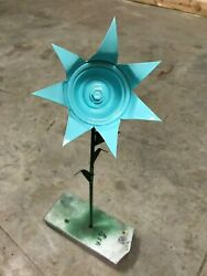 All metal light blue flower garden stake yard art great for the campground $6.85