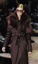 TOM FORD FOR GUCCI 100% AUTHENTIC BLACK RUNWAY COAT DRESS WITH REMOVABLE FOX FUR