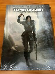 Rise of the Tomb Raider - Collector's Edition Prima Official Guide (w Keychain)