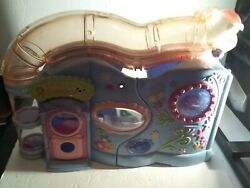 Littlest Pet Shop Lovin Playhouse 2004 playset only no pets