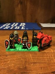 LEGO Castle lot of 5 Dragon Knights Plus Dragon Knight Horse!!