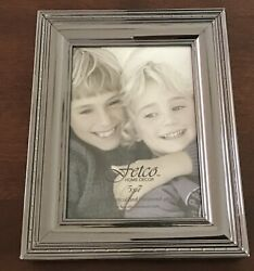 Fetco Home Decor 5x7 Frame With Nickel Finish New $4.25