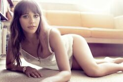 RASHIDA JONES CRAWLING ON THE FLOOR WITH LINGERIE ON $1.50