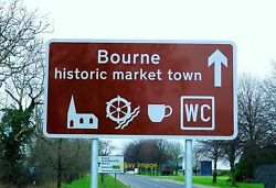 Photo 6x4 Town welcome sign at Bourne Lincolnshire Large signs welcome vi c2005 GBP 2.00