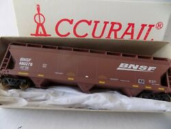 HO SCALE ACF 3 BAY COVERED HOPPER MODERN FOR BNSF RR. BY ACCURAIL RTOR $18.50