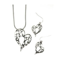 BRIGHTON BEACH HEART NECKLACE  SET