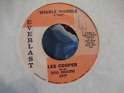 45M LES COOPER AND THE SOUL ROCKERS WIGGLE WOBBLE  DIG YOURSELF ON EVER RECORDS