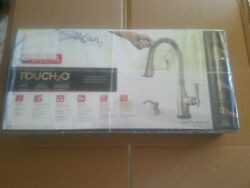 NEW Delta Charmaine Single-Handle Pull-Down Sprayer Kitchen Faucet with Touch2O
