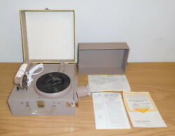 VINTAGE LIONEL SPEARTONE ELECTRIC PHONOGRAPH PORTABLE RECORD PLAYER PROJECTOR