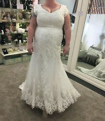 wedding dress size 20 mermaid embroidery lace cap sleeves no alterations gorg!
