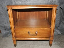Vintage CENTURY **Furniture by Distinction** One Drawer Side End Table $125.00