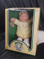 Vintage in box Original Cabbage Patch Doll Preemie Tuft Green Eyes yellow bunny $68.00