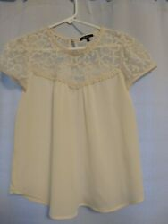 Monteau Cream Lace Top Womens Size Small Dressy Blouse EUC Ivory Sheer Embroider $4.99