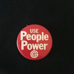 Vintage quot;Use People Powerquot; Gold Circle Stores Pinback Button $3.99