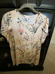 Lularoe Olive Medium Flutter Floral Sleeve Top $15.00
