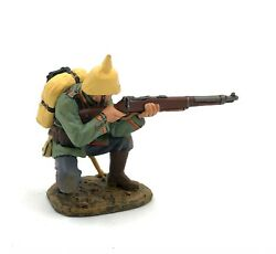 King and Country FW015 Kneeling Firing Rifleman RETIRED $34.99