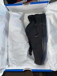 Brand New Nike Dunk Low SP Undefeated 5 On It Black Size 10 Mens In Hand $220.00