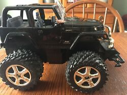 2004 Radio Shack Jeep Wrangler Sport RC with 6v Battery and Charger Very GooD $47.99