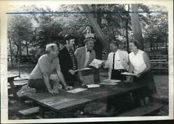 1970 Press Photo Organizers for Staten Island Family Day Meet Wolfes Pond Park