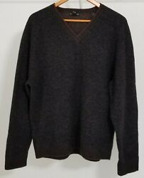 Club Monaco Mens 100% Wool Sweater Pullover V-Neck Long Sleeves Size XL