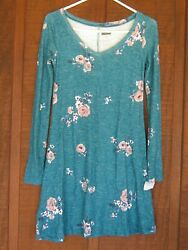 gordman#x27;s junior dresses green with roses graphics Size Small $15.99