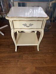 Vintage French Provincial Nightstand End Table Dovetailed Drawer Cream $85.00