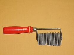 VINTAGE KITCHEN RED WOOD HANDLE STAINLESS POTATO FRENCH FRY CRINKLE CUTTER $31.99