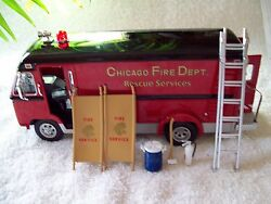 CROWN PREMIUMS DIVCO CHICAGO FIRE RESCUE #2 LOT OF 100 = 16 CASES + 4 UNITS