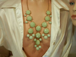 Large Soft Green Lucite Vintage 80#x27;s To Mod Statement Necklace 106JN6 $19.49