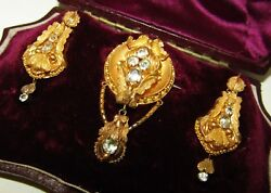 RARE ANTIQUE GEORGIAN CASED SET OF 9 CT GOLD AQUAMARINE EARRINGS AND BROOCH