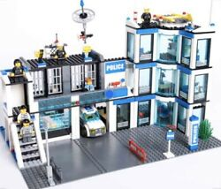 LEGO City Police Station 7498 - All Pieces - Instructions Included