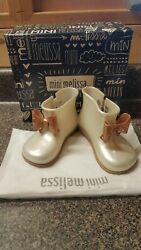 Mini Melissa Mini Sugar Bow Rain Boot White Pearl Rose 8 9M Toddler $25.00
