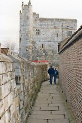 PHOTO YORKSHIRE 1989 YORK SE VIEW ALONG WALL ABOVE LORD MAYOR#x27;S WALK GBP 1.85